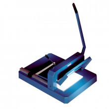"""Dahle 842 16-7/8"""" 200 Sheet Capacity Professional Stack Cutter"""